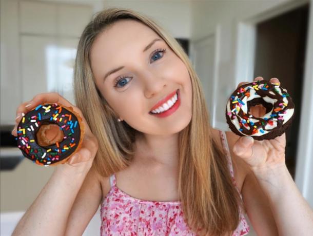 Sarah Lynn Baketobefit donuts healthy dessert cookbook